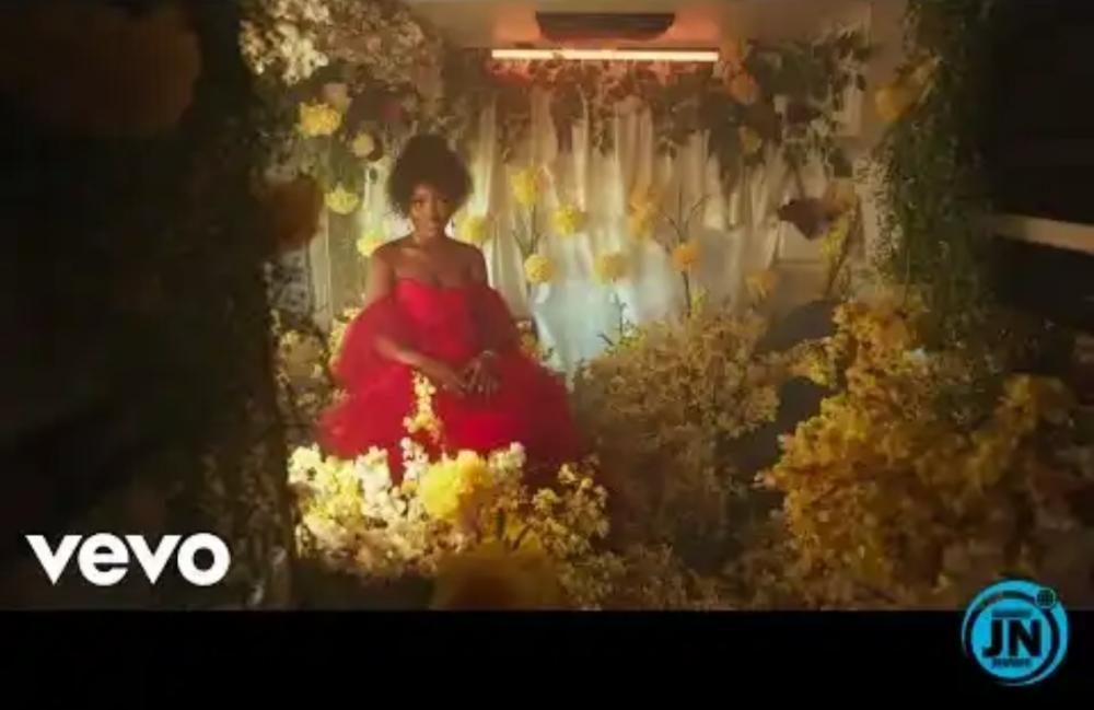 Gyakie Video – Forever